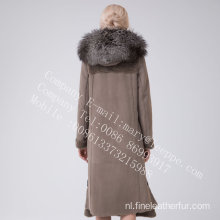 Merino Shearling jas met capuchon in de winter